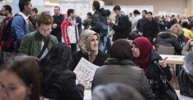 Photo of ألمانيا استقبلت 11 ألفاً عبر برنامج إعادة التوطين … عودة أكثر من 950 مهجراً سورياً من الخارج