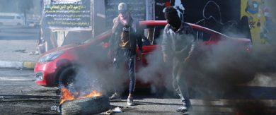 Photo of تظاهرات العراق مستمرة ومحتجون يعلنون إضراباً عن الطعام … «ائتلاف النصر»: الصراع لتحديد الكتلة الأكبر في البرلمان لمصالح سياسية