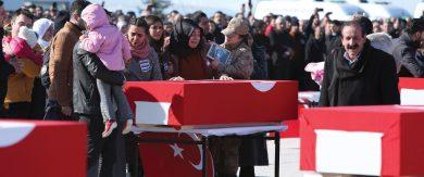 Photo of «بلومبرغ»: هل اقتربت نهاية أردوغان بعد مقتل عدد كبير من جنوده في سورية؟